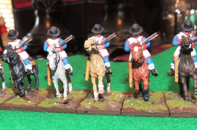 These figures are armed with carbine or escopeta.  These figures are a bit crude, but highly paintable.  I really enjoyed working on them.